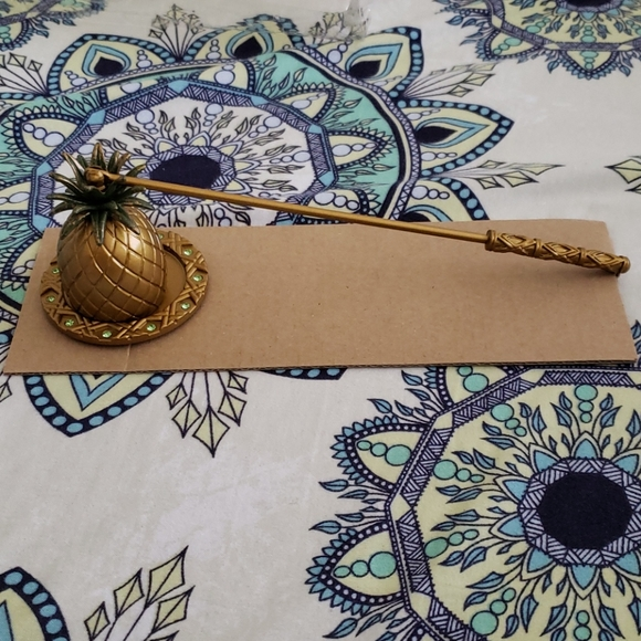 NWT PartyLite Pineapple Snuffer & Tray